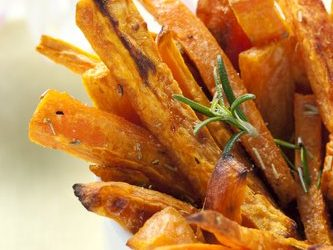 [RECIPE] Rosemary Garlic Sweet Potato Fries