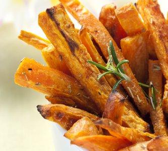 [RECIPE] Rosemary Garlic Sweet Potato Fries